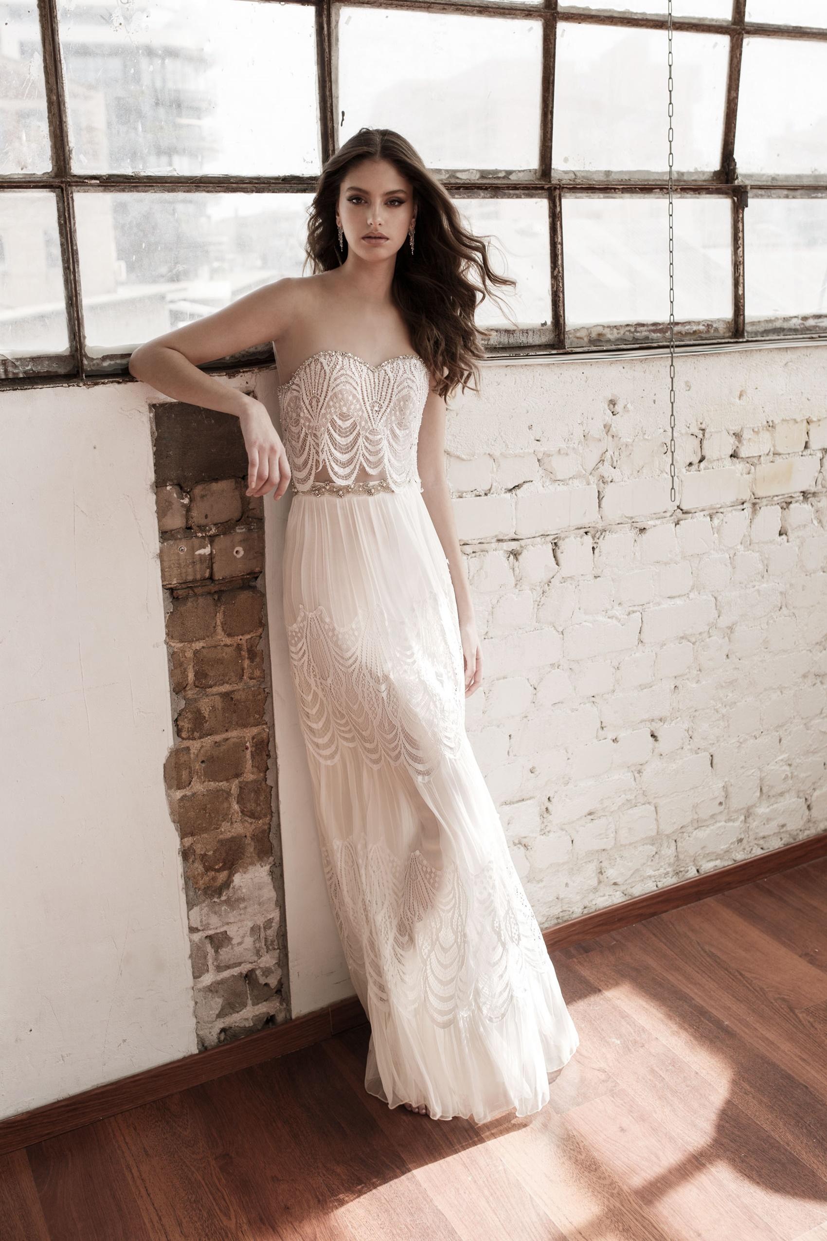 המעצבים בוחרים: שמלות הכלה האהובות של 2017
