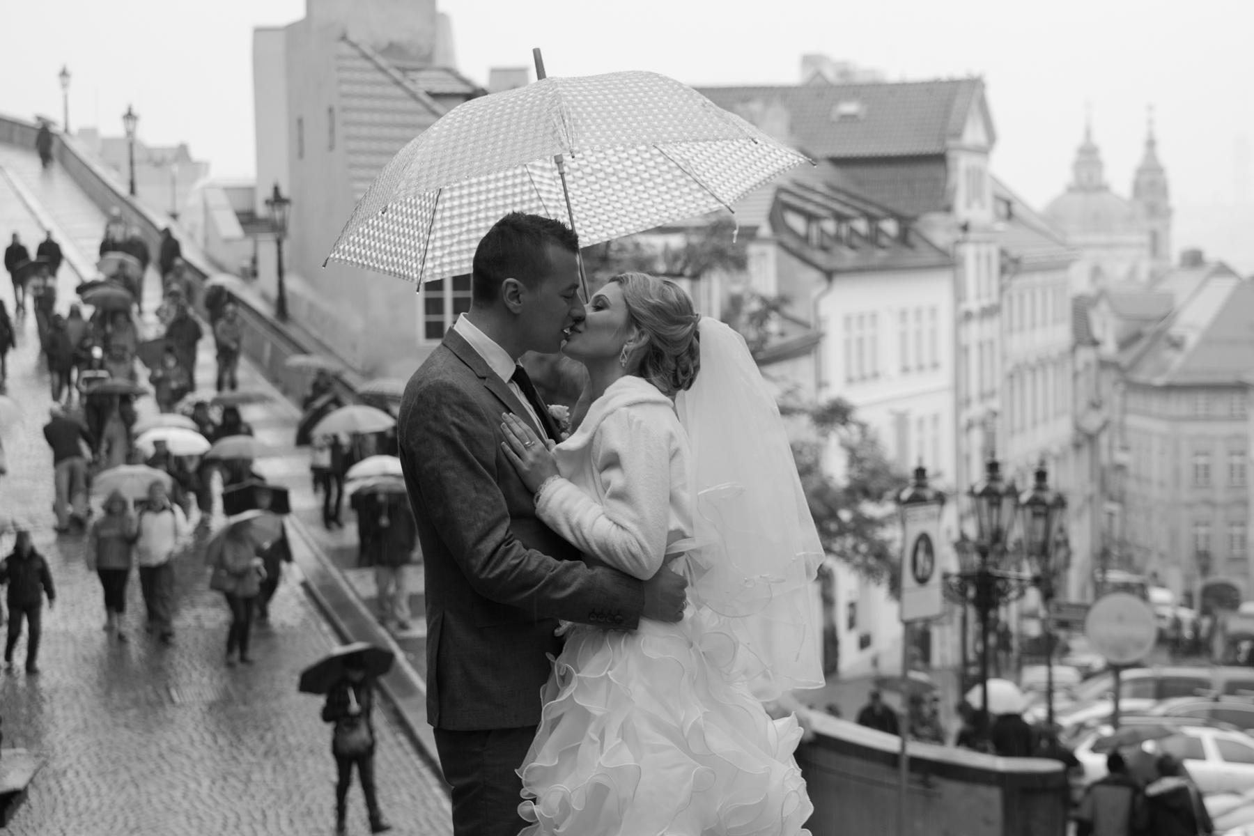"It's Official: המדריך לחתונה אזרחית בחו""ל"