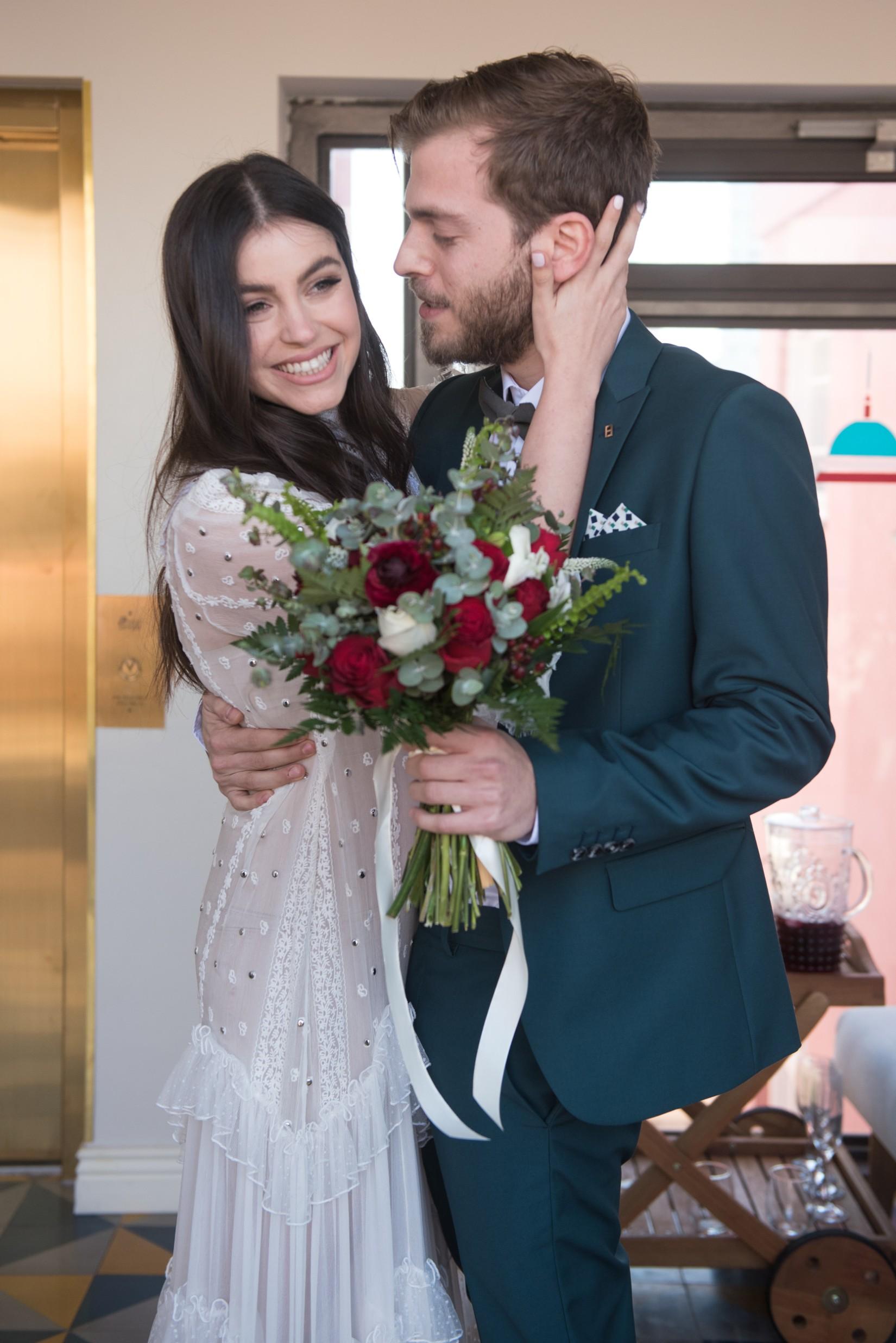 Home & Away: החתונה של תום וסער