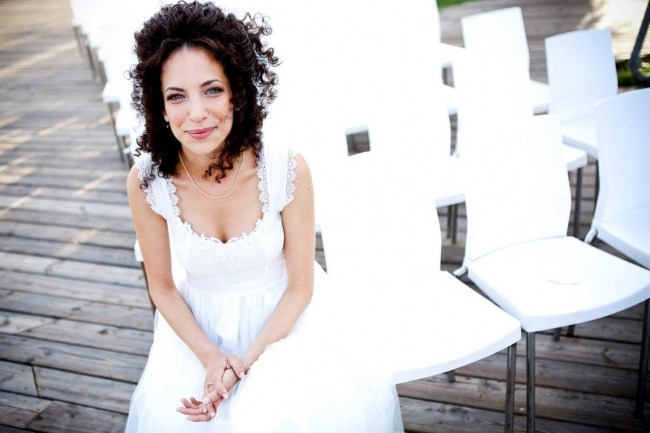 How to Look Fabulous in Your Wedding Day Photos