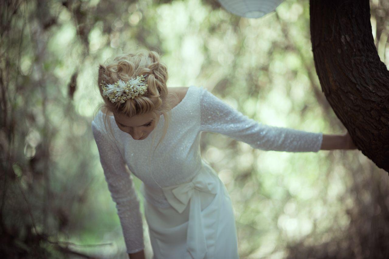 צווארון גבוה: עשר שמלות שאהבנו