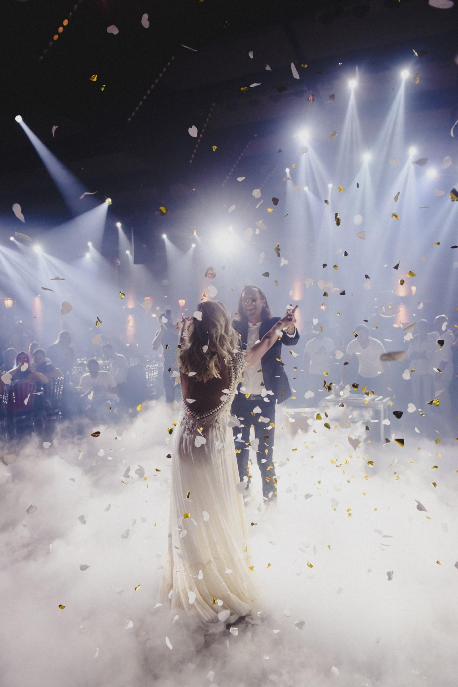 התאהבו על הגל: החתונה של ג'וליה שרה ויאיר
