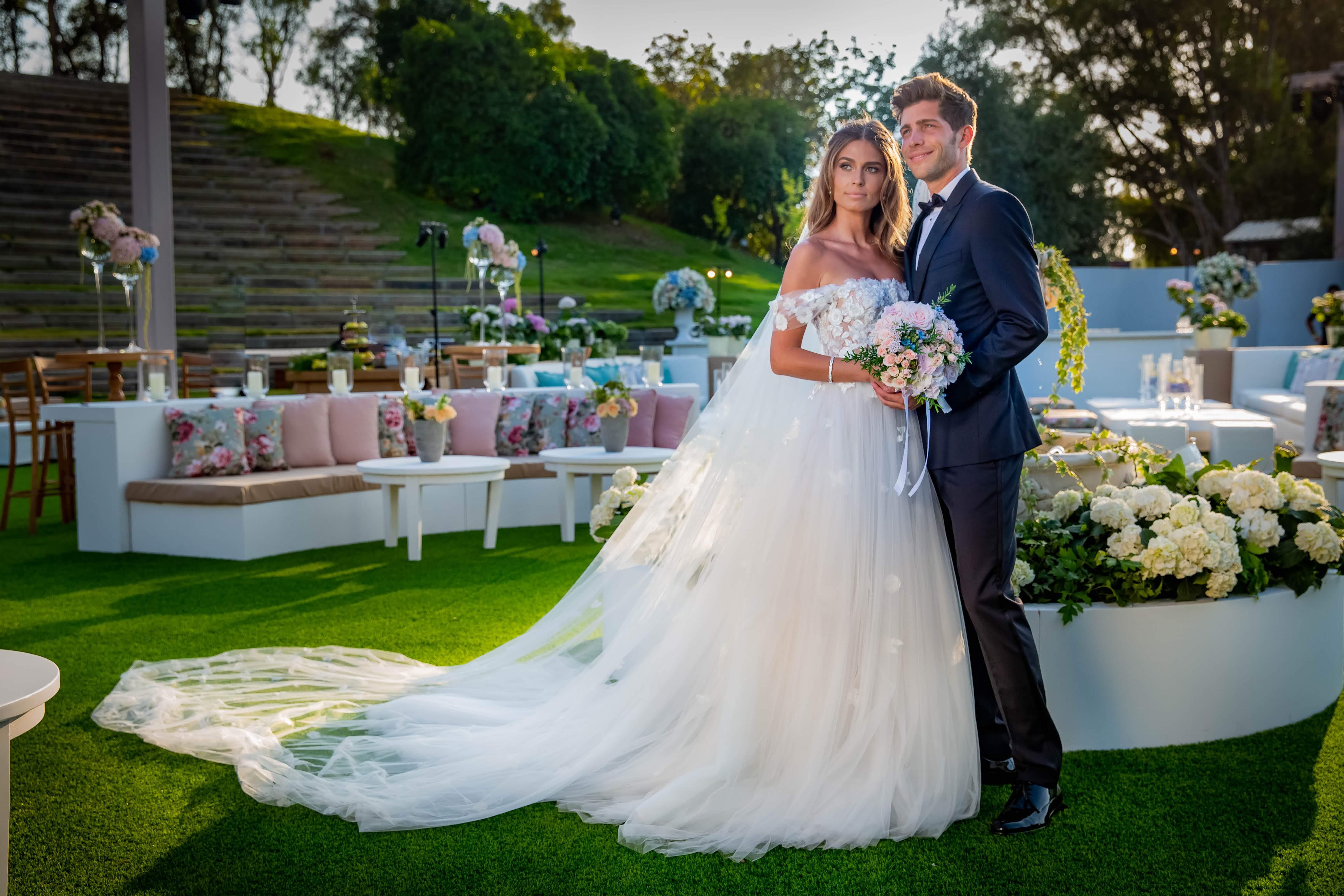 ככה זה נראה מבפנים: הצצה בלעדית לחתונה של קורל סימנוביץ׳ וסרג׳י רוברטו