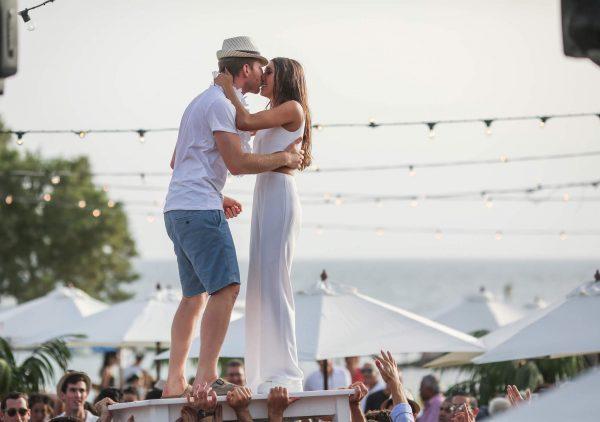 חתונה בקונספט יווני: חתונת החוף של מור ושחק