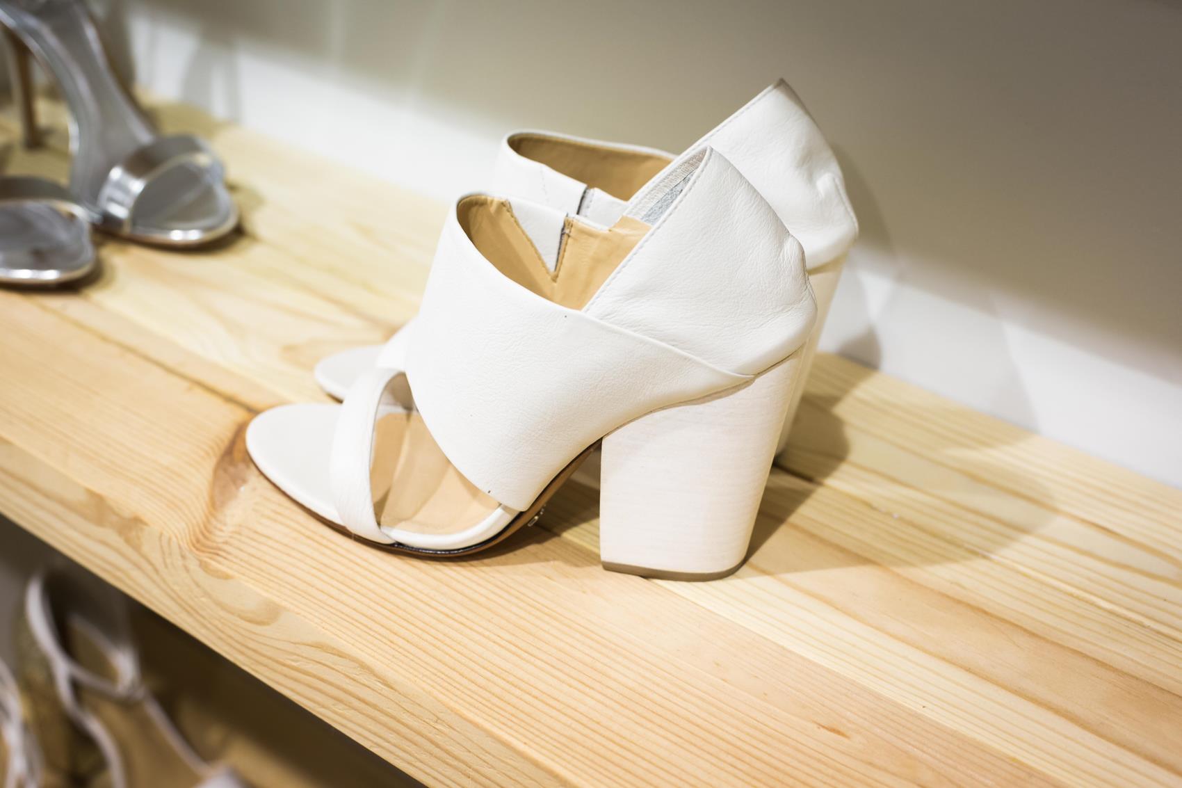 ביקור בסטודיו נעלי כלות: Shoez Webstore