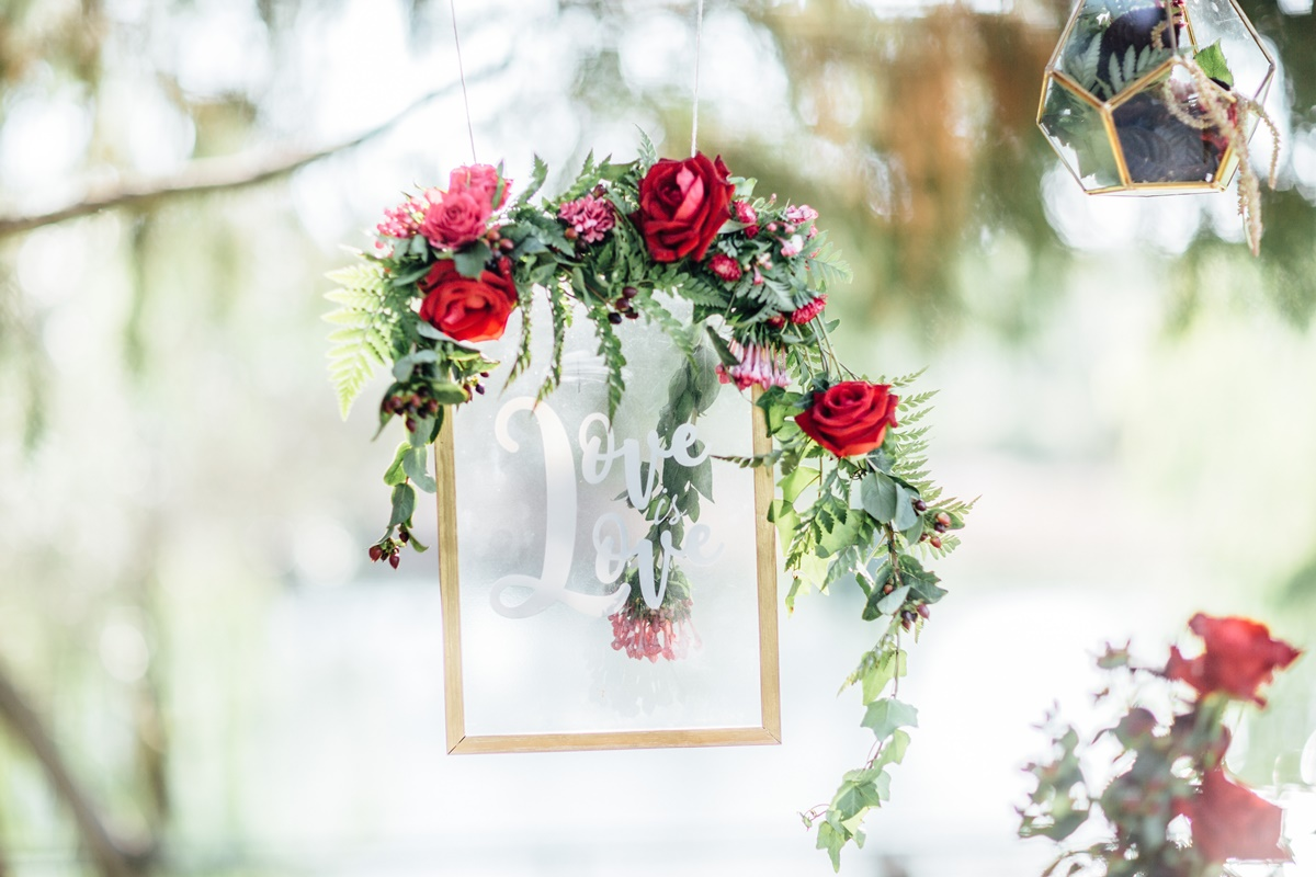 אצילי ורומנטי: עיצוב חתונה בהשראת יום האהבה