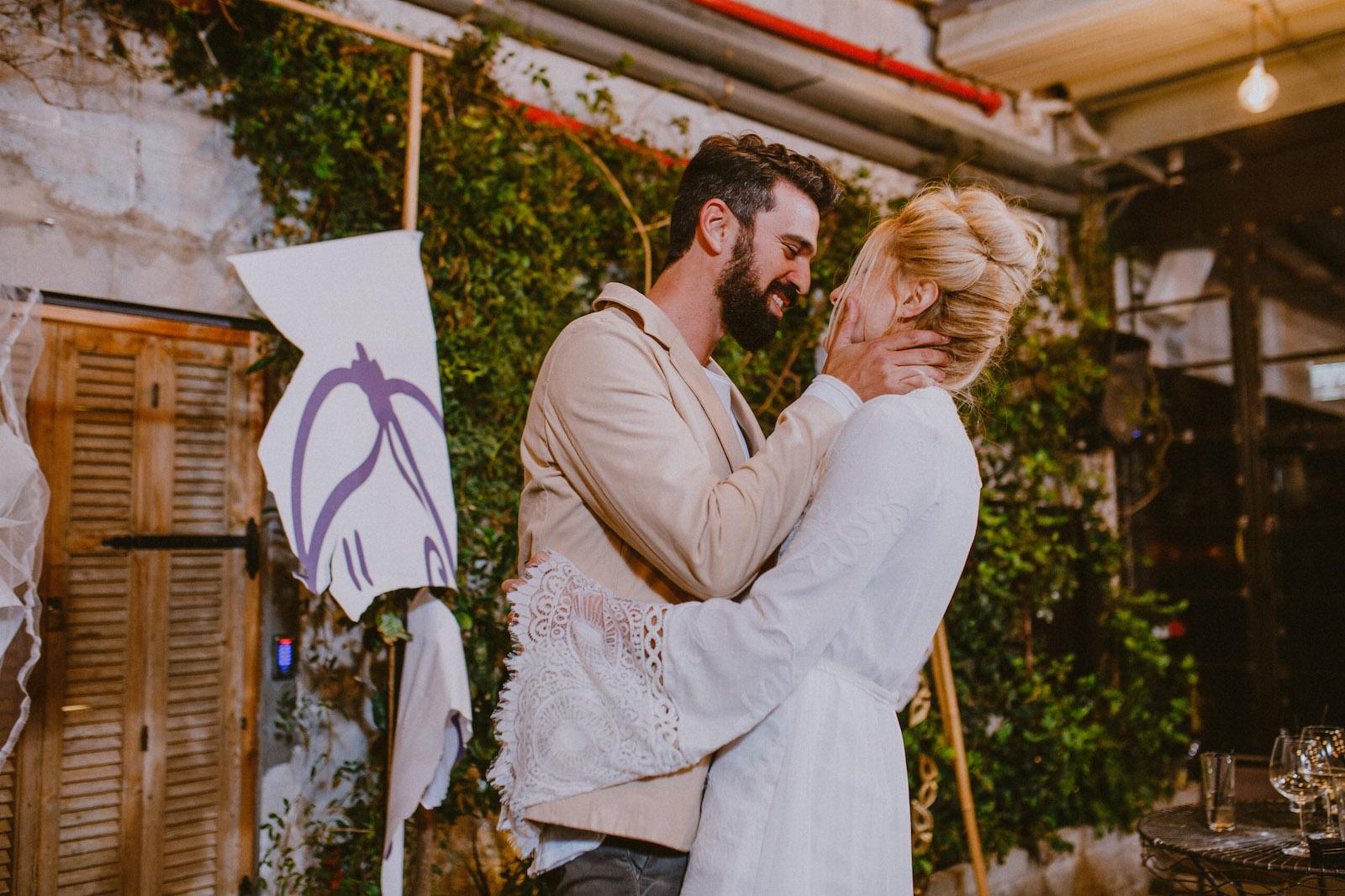 שברו שגרה: חמישה טקסי חופה עם טוויסט
