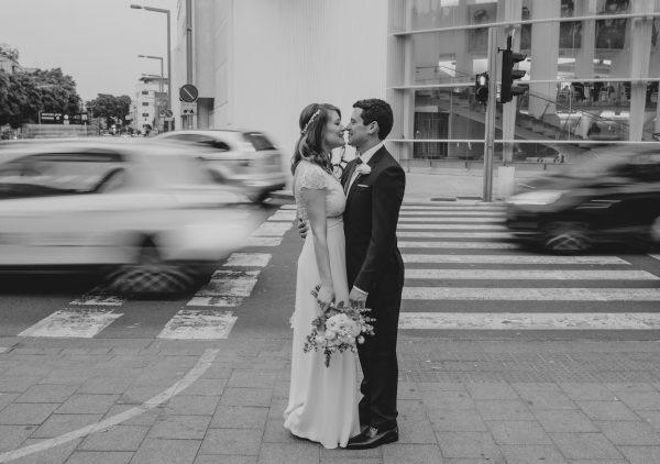 מטקסס לתל אביב: החתונה של טורי וארז