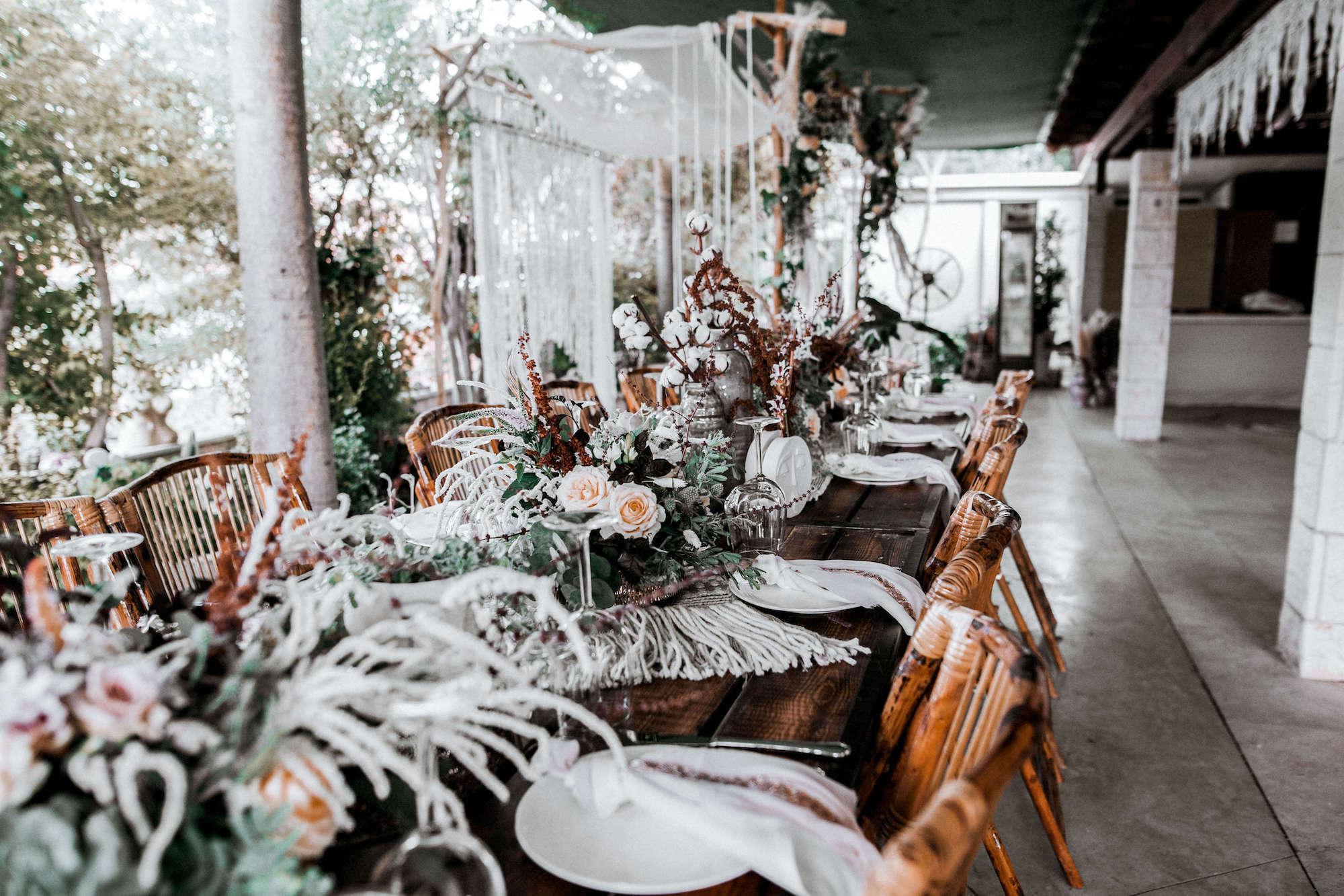 35 אורחים ועיצוב מדהים: חתונת החצר של מעיין ונועם פירוז