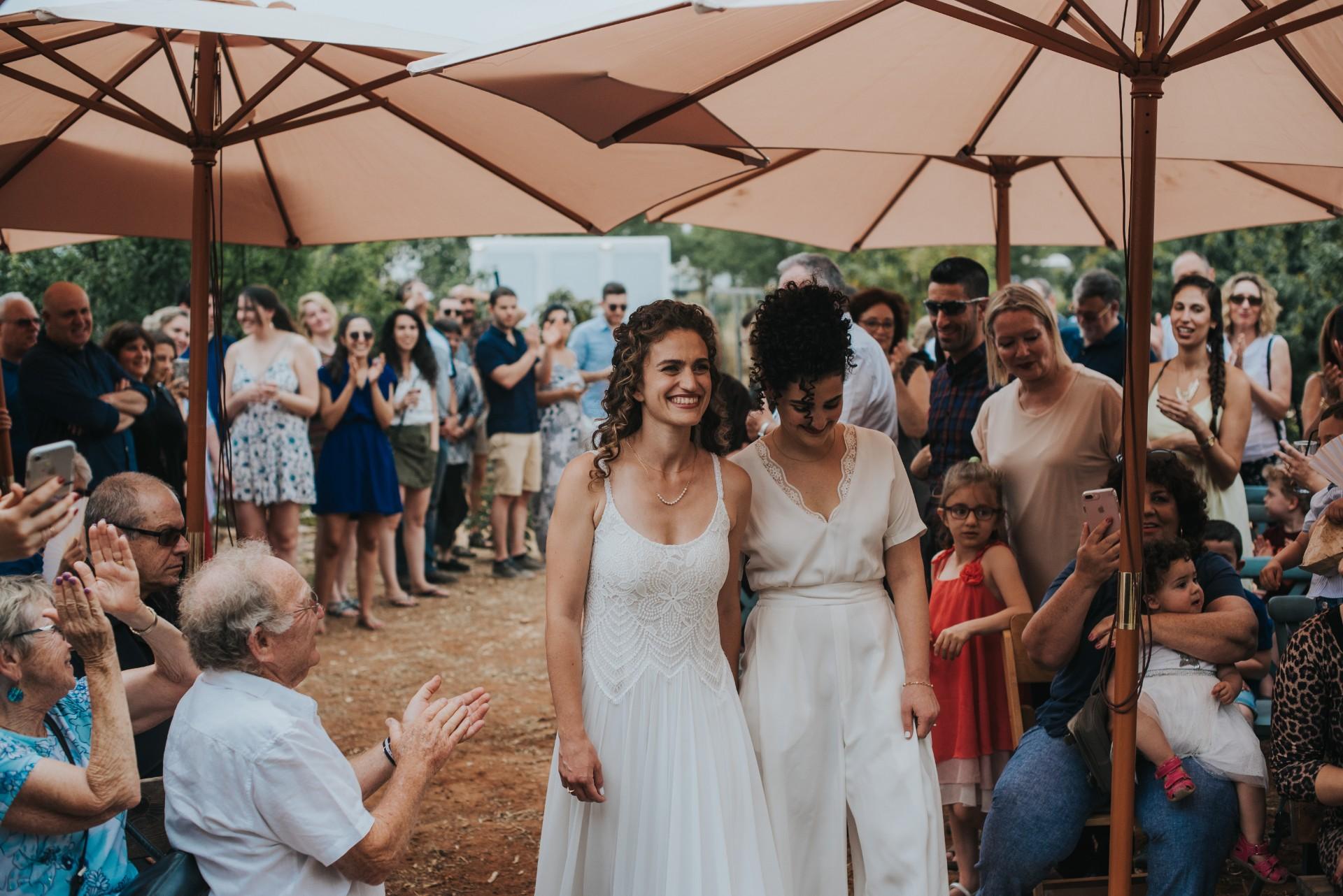 קז'ואל בחצר ההורים: החתונה של מיכל ויעלי