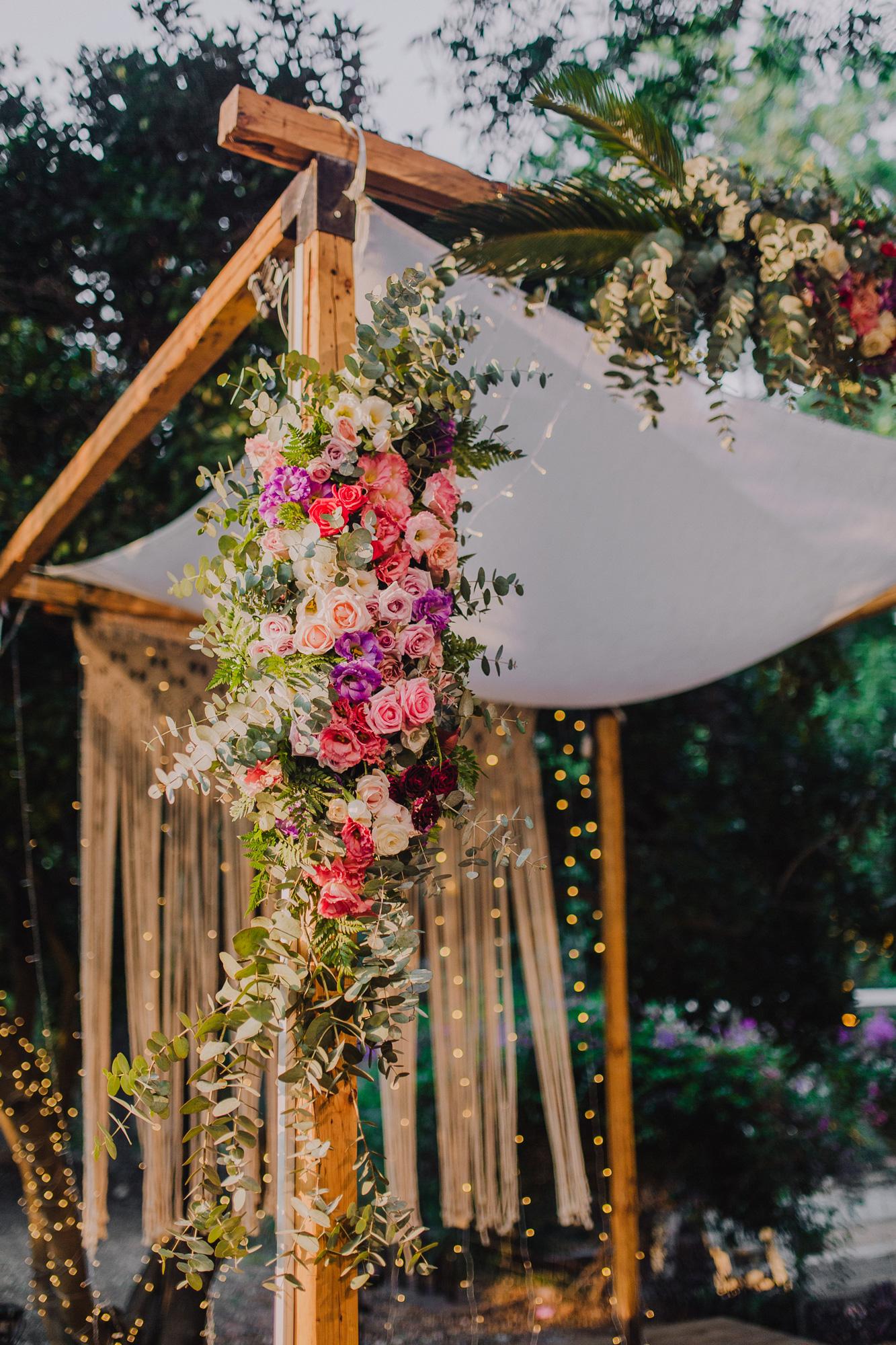 בשיער סגול ושמלה כחולה: החתונה של אריאל וליאור