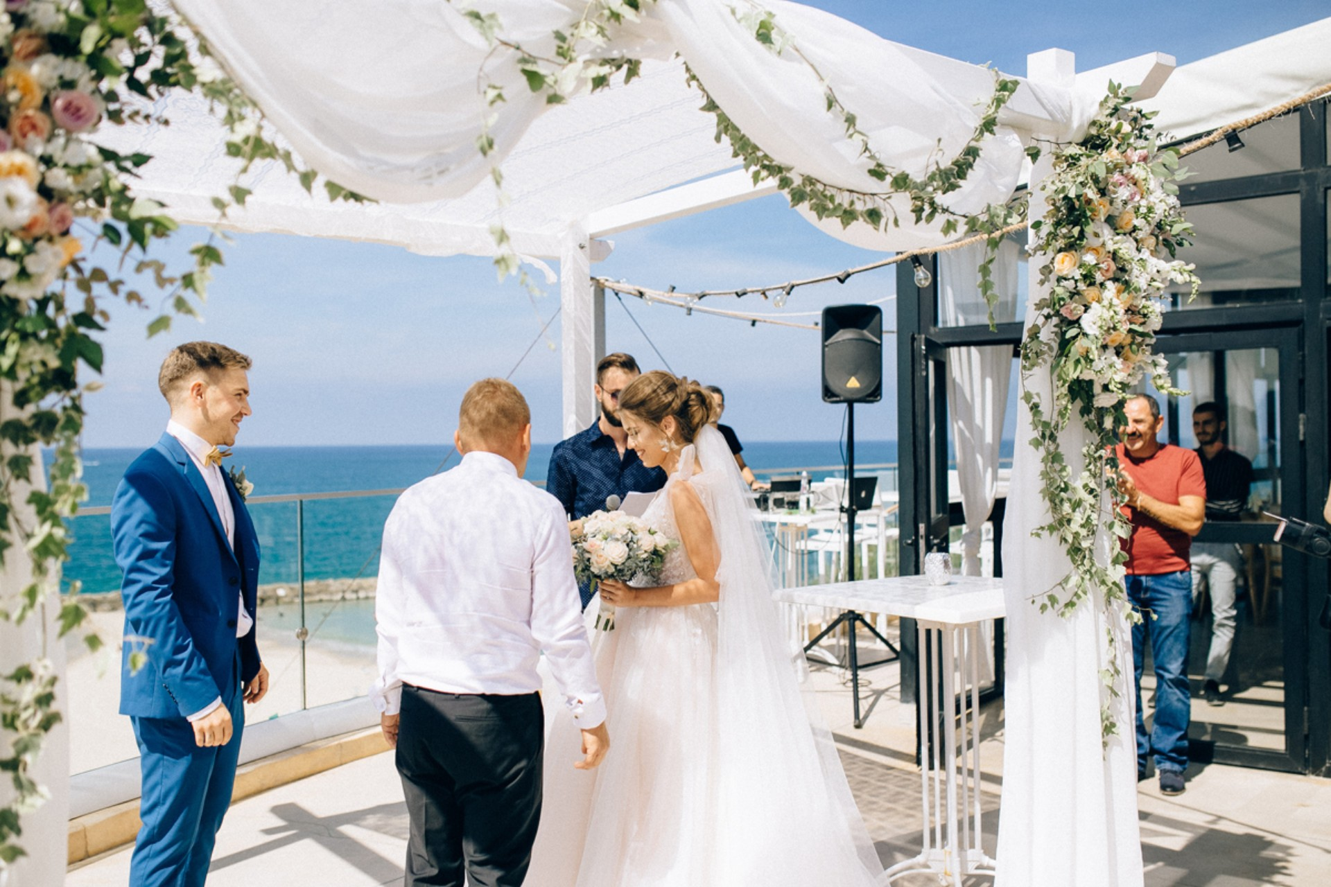 שלושה לוקיישנים, שני טקסים,  זוג אחד: החתונה של קטיה ודימה