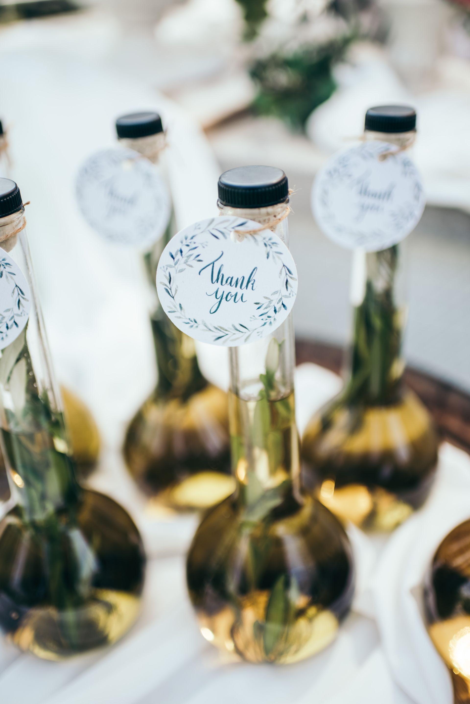 מתחתנים בחנוכה? הנה 8 רעיונות איך לשלב את החג בחתונה