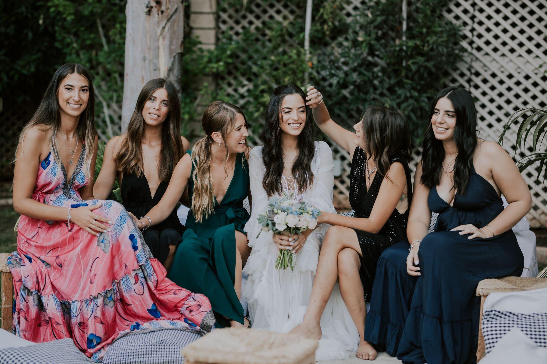 רגע לפני שהפכו להורים: החתונה הפרחונית של שקד ועומרי