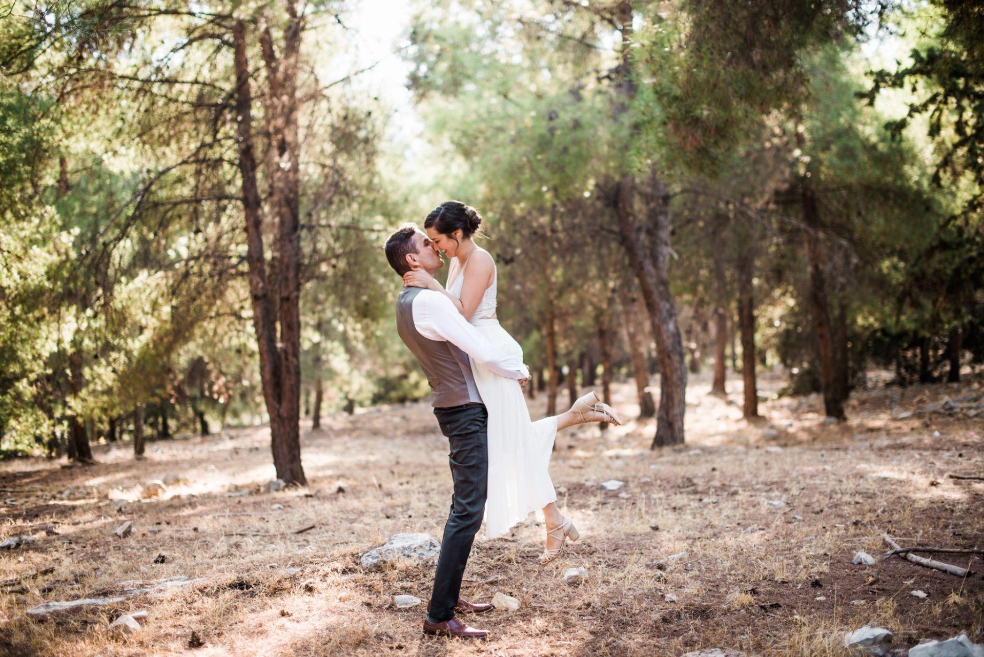התחתנו בבית כנסת בן 2,000 שנה: החתונה של אור ומאור