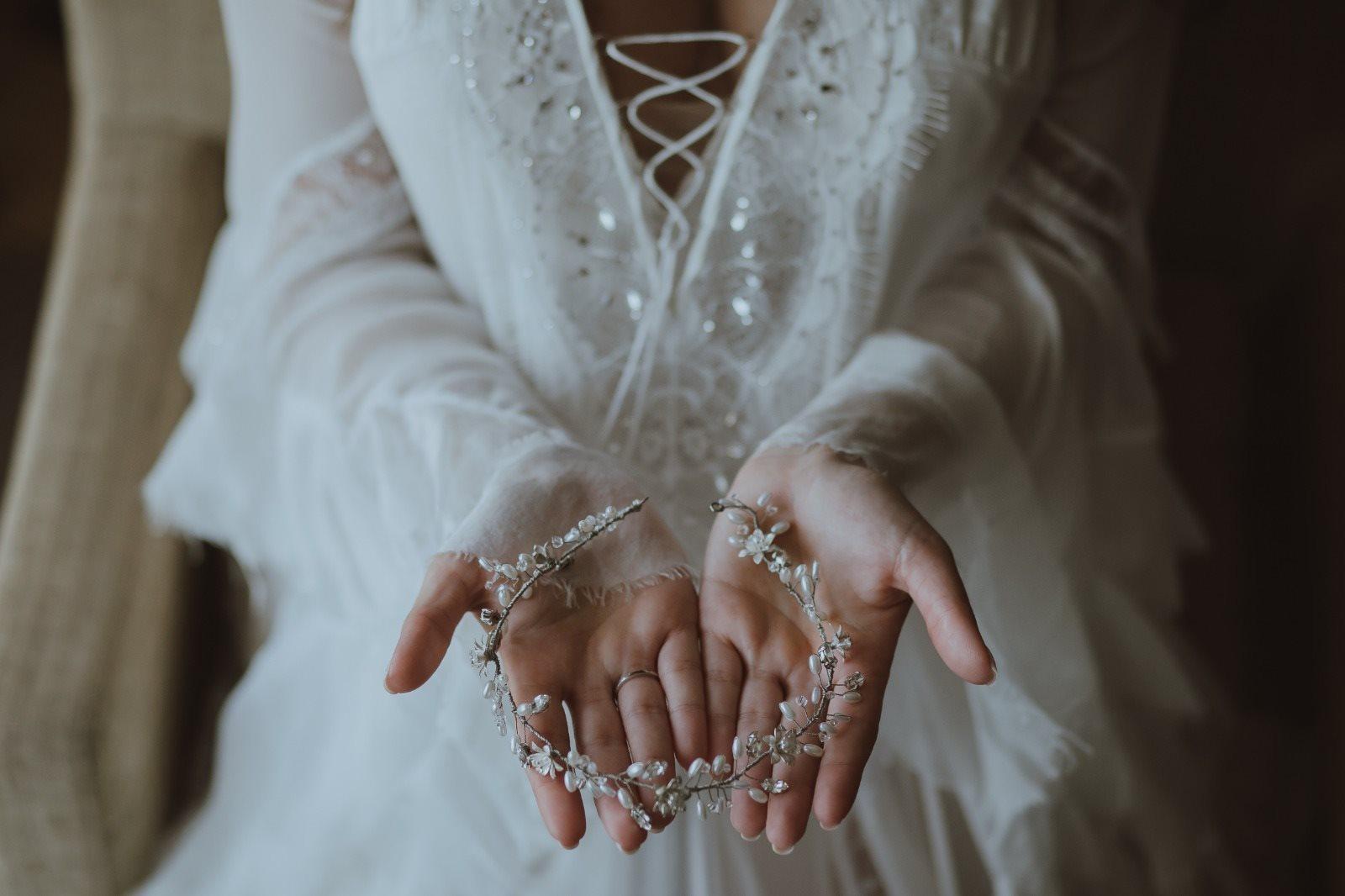 בחירת שמלת כלה: המדריך המלא