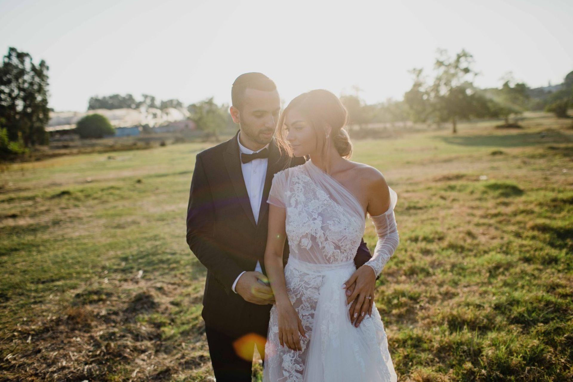 חתונה חלומית: פמפאס, צבעי פסטל ושמלת כלה מדהימה
