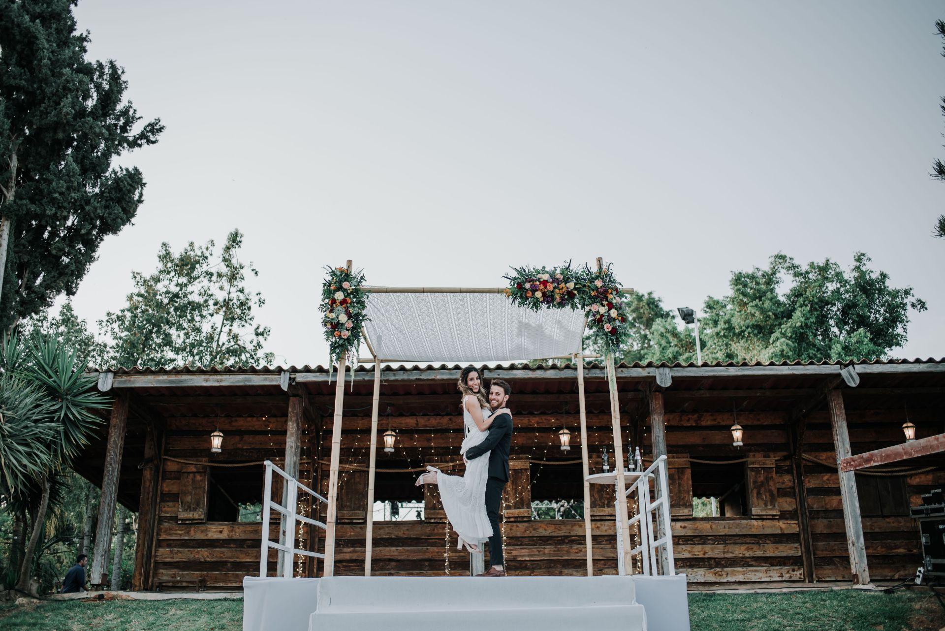 מפיקי חתונות מובילים משתפים: תובנות וטיפים לחתונות בזמן קורונה