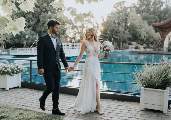 ורדים ולוכדי חלומות: החתונה הכפרית של מור ועדי