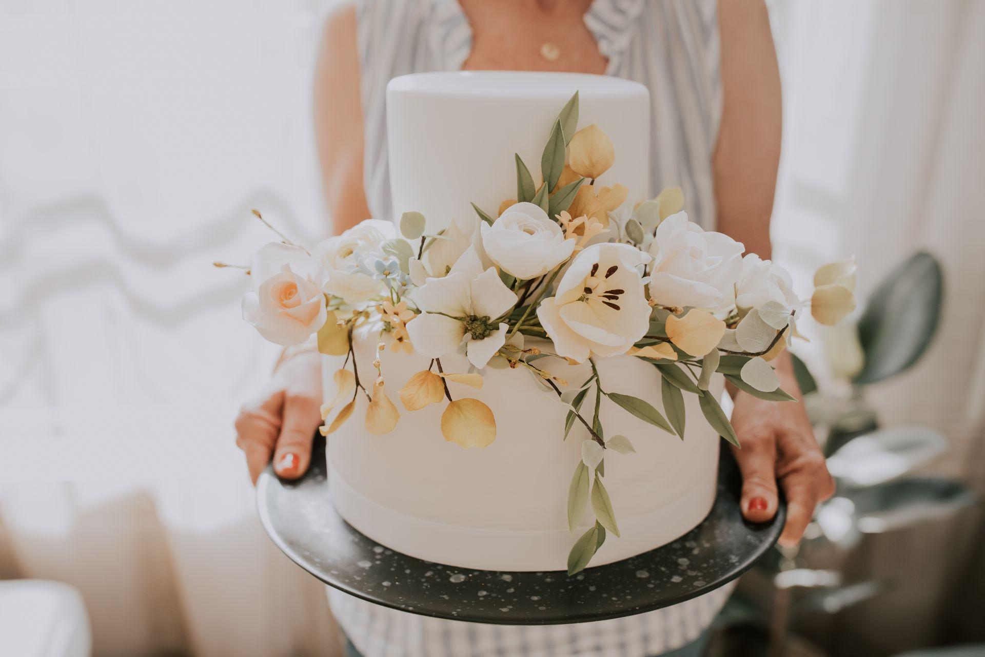 כשהכלה היא המעצבת והחתן הוא הדי ג'יי: חתונת קורונה מפתיעה בבית