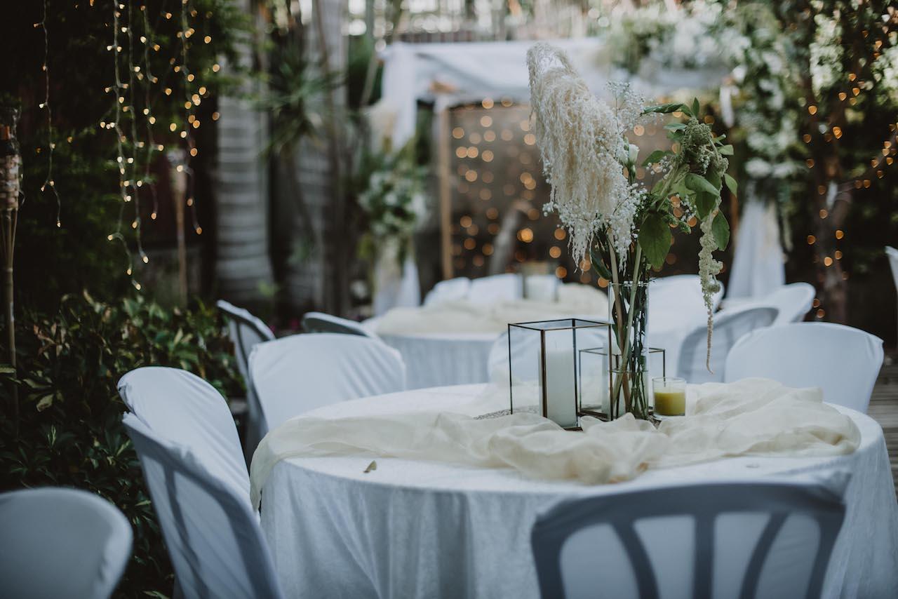 משש-מאות אורחים לחמישים: הזוג שארגן לגמרי לבד את חתונת החצר שלו