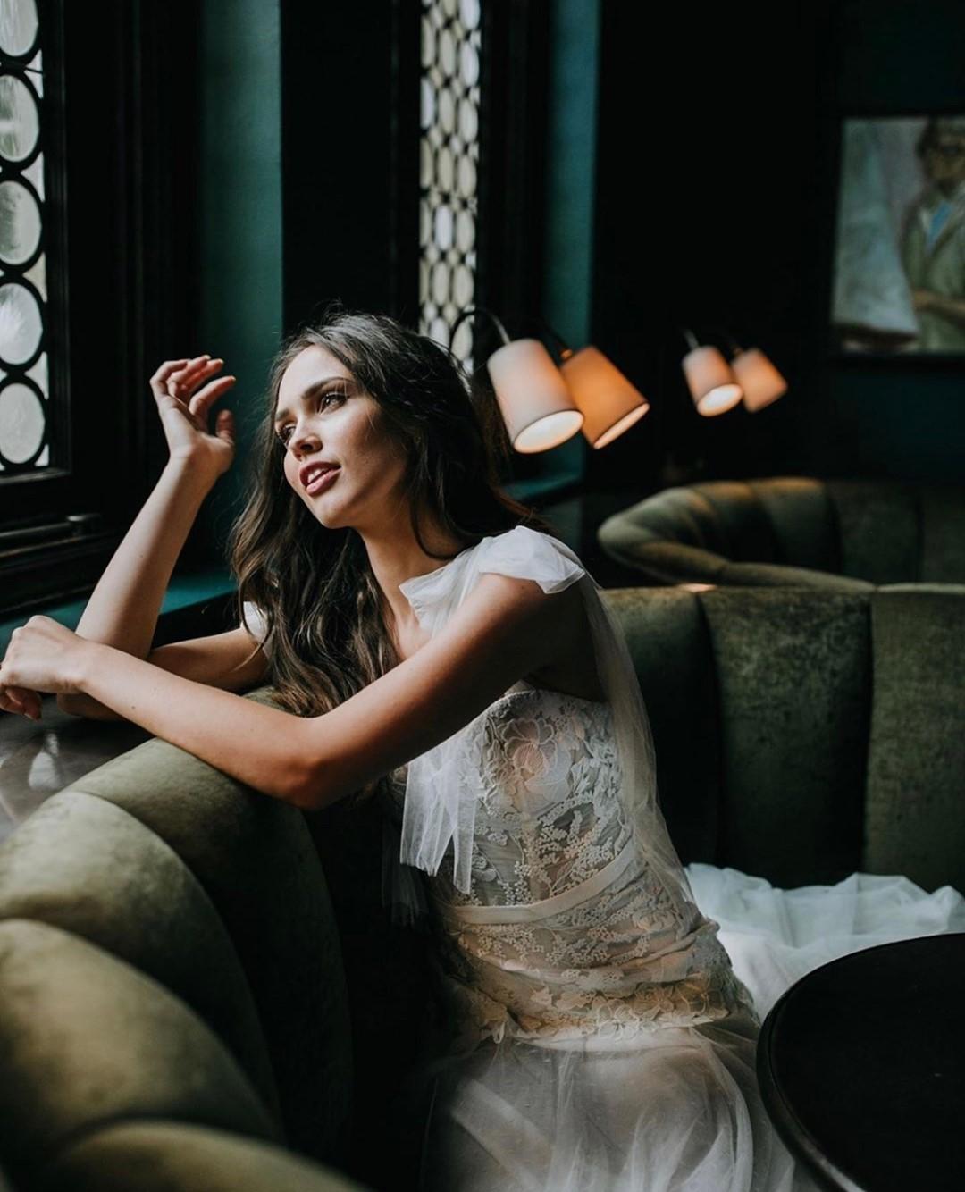מעצבי שמלות כלה ומותגים לעקוב אחריהם באינסטגרם