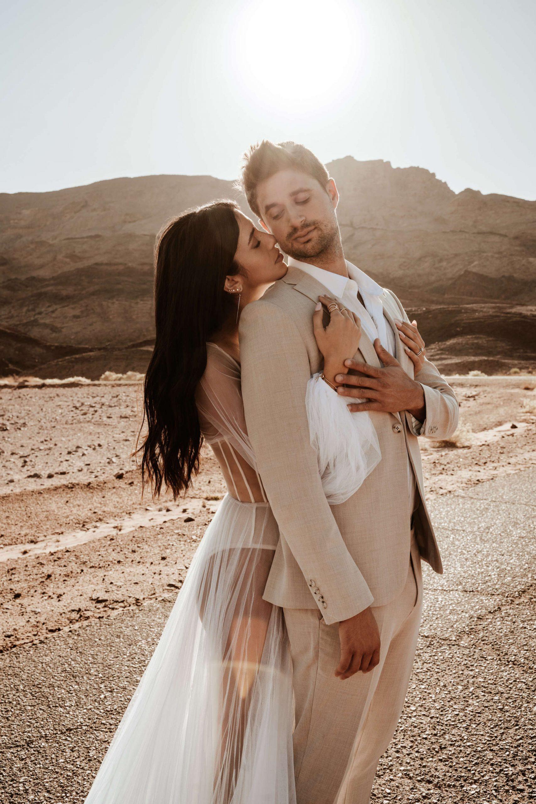 זמן מדבר: הצעת הנישואין שהובילה להפקה מרהיבה בערבה