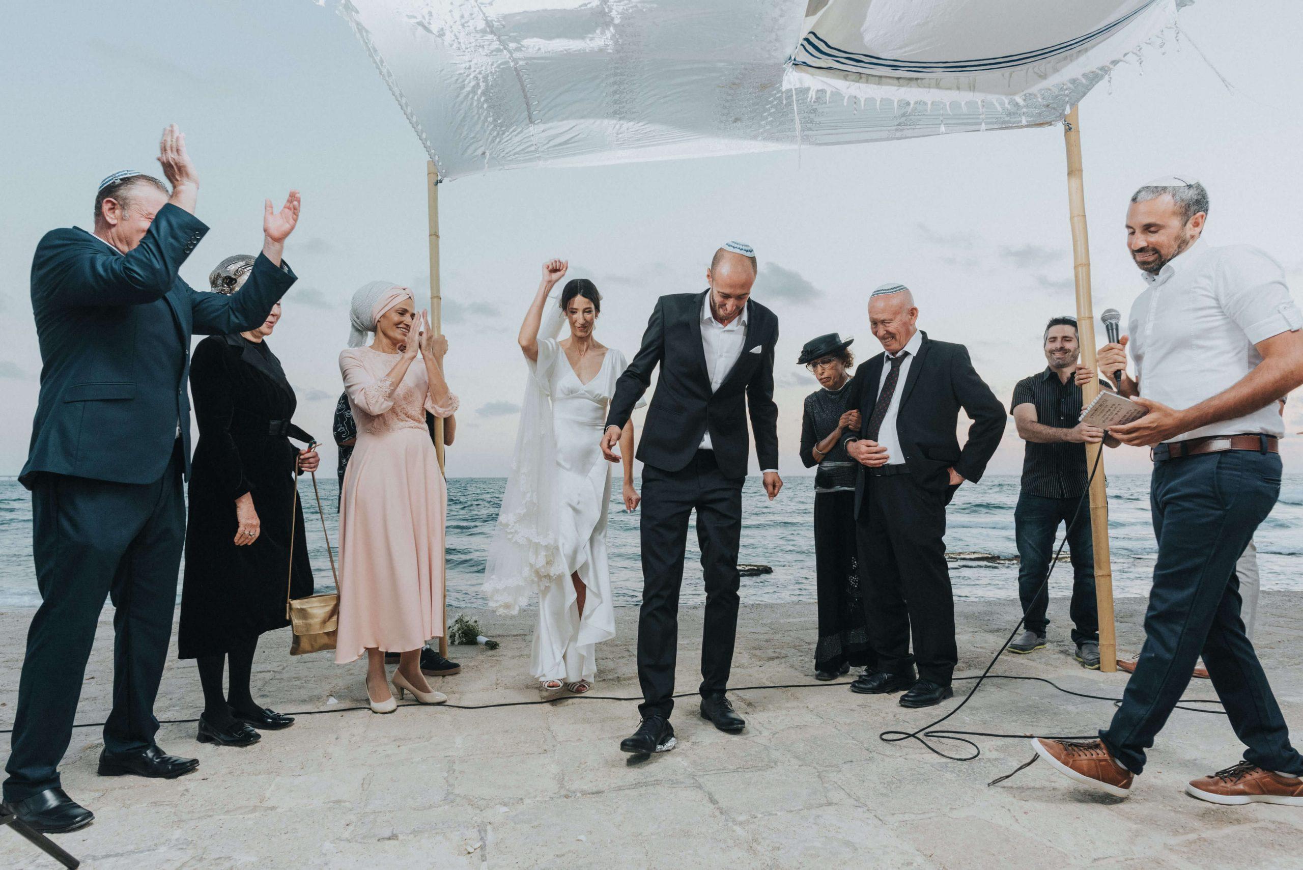 חתונה קטנה עם 80 אורחים בעתיקות קיסריה: הסיפור של דנה ושי