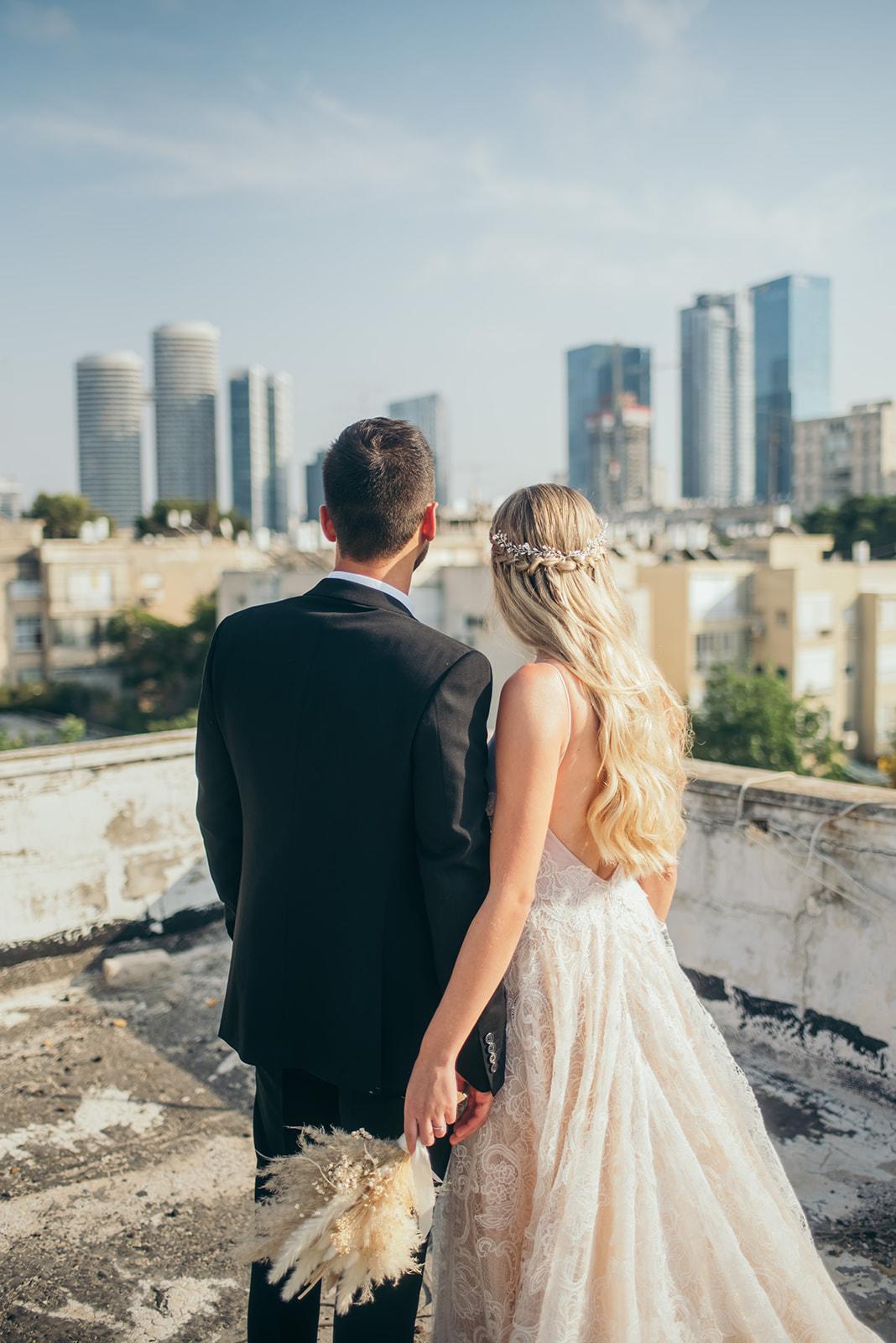 מוארת: החתונה של מור ושמואל