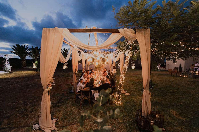 השראה: עיצוב מהמם לחתונת חצר אינטימית