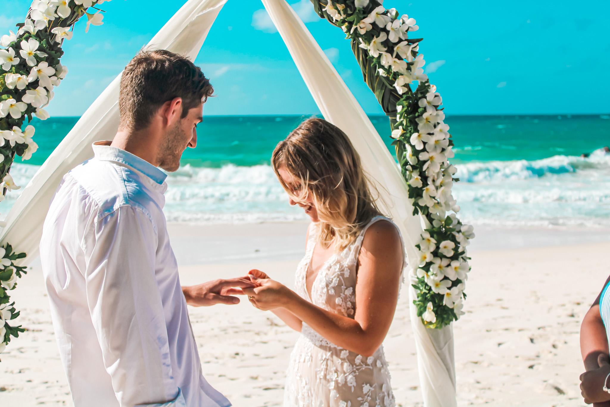 חתונה אזרחית בסיישל, ככה זה נראה