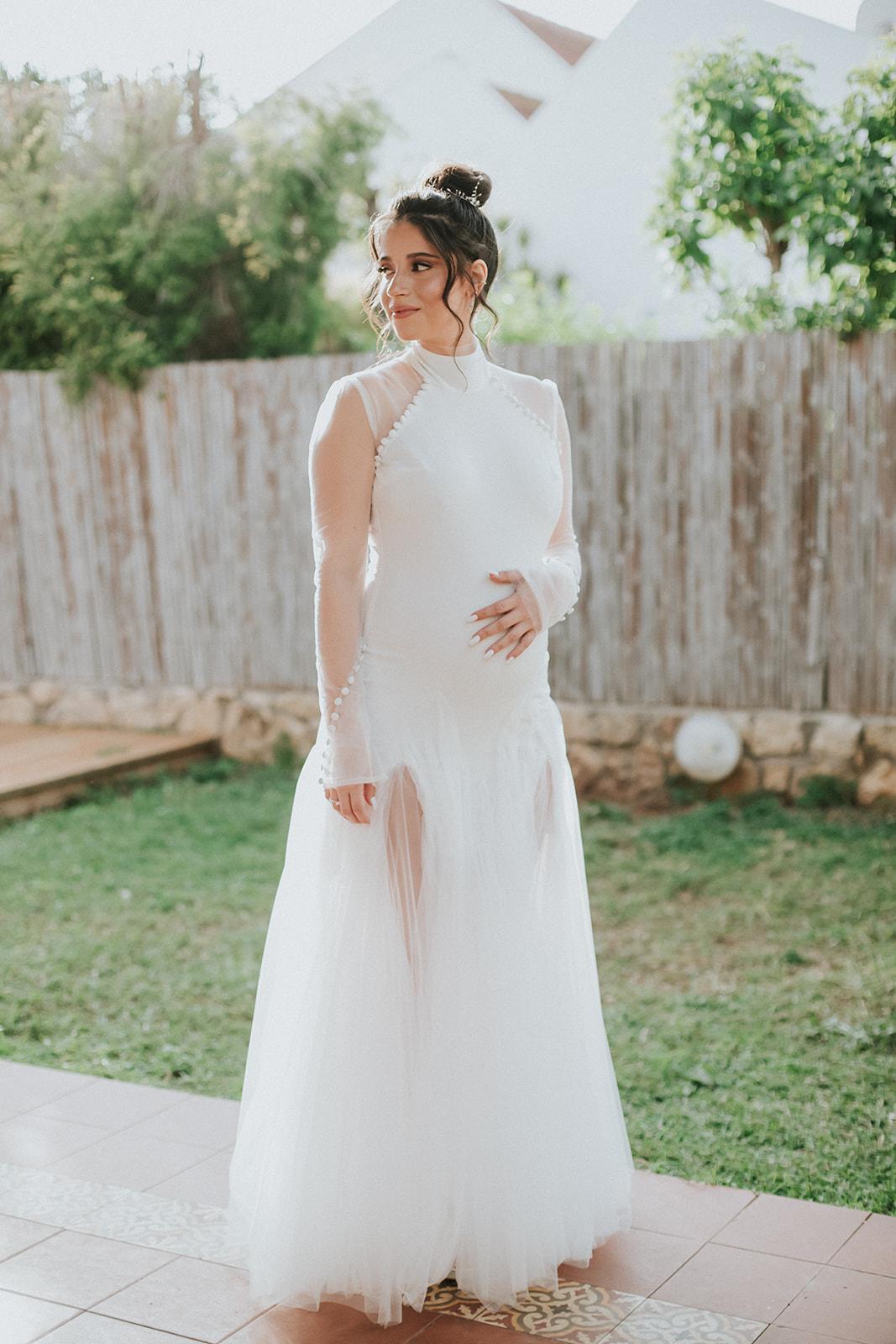 8 כלות בהריון שנראו מושלם בשמלות הכלה שלהן