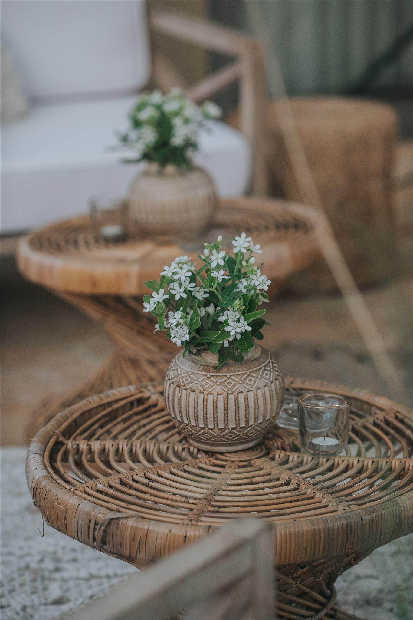 בשלט רחוק מאפריקה: חתונה ביתית קטנה בסגנון כפרי