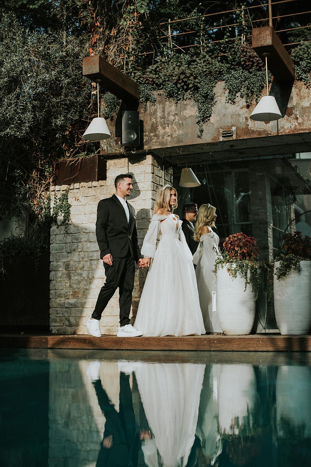 קלאסית ואינטימית: חתונת חצר בהשראת חבל אמאלפי באיטליה