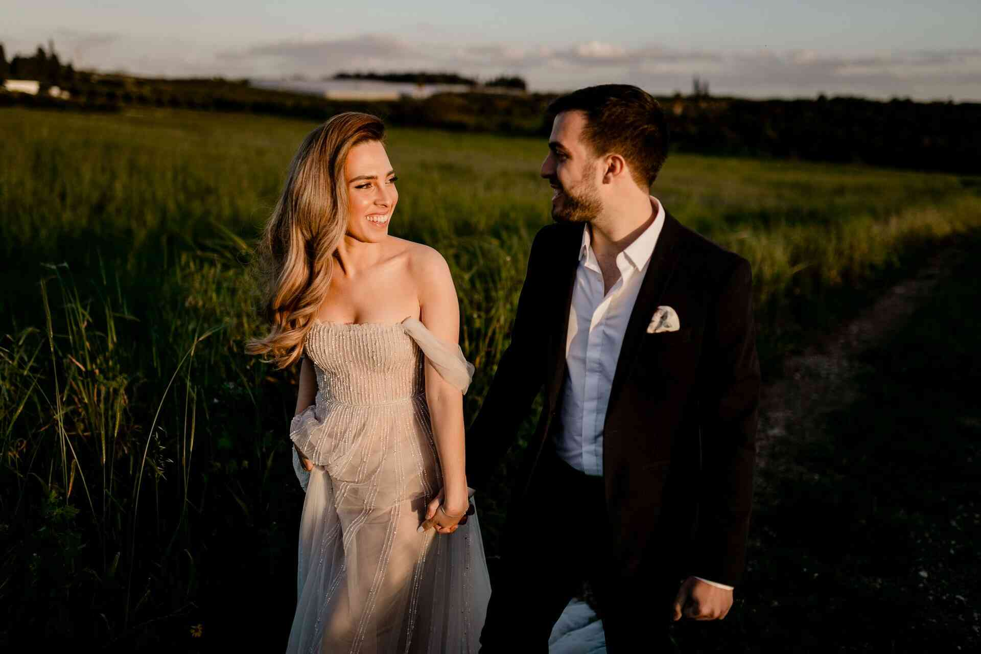 עיצוב טבעי עם טאצ' יוקרתי: חתונה רומנטית בחוות רונית