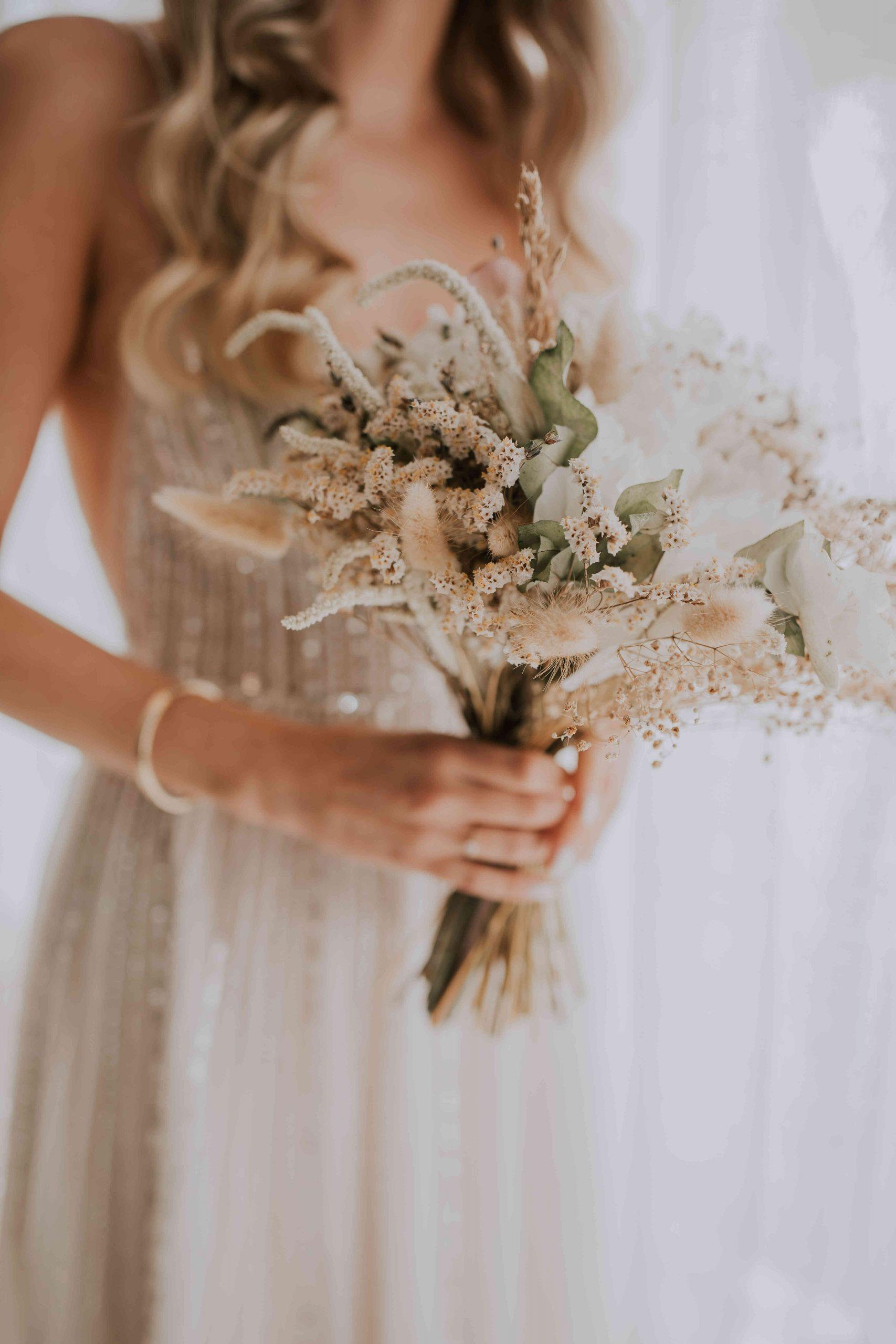 צילומים בלוקיישן חלומי וחופה מול הבריכה: החתונה של רינת ואיתמר