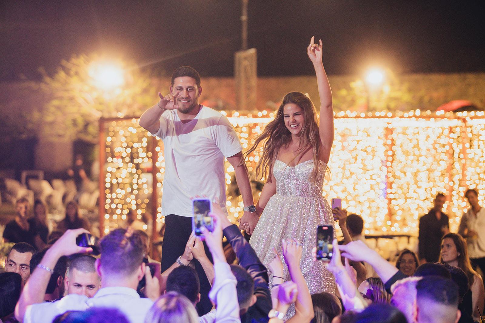 אלף נורות קטנות ומסיבה עד אור הבוקר: החתונה של ברית וגל